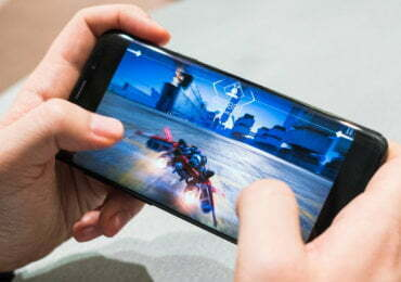 How will virtual fact have an effect on cellular gaming?
